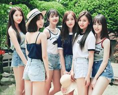 Find images and videos about kpop, kstyle and korean girl on We Heart It - the app to get lost in what you love. J Pop, Kpop Girl Groups, Korean Girl Groups, Kpop Girls, Gfriend Album, Gfriend Yuju, Gfriend Sowon, Divas, Summer Songs