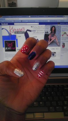 4th of July inspired #nails around the office!