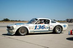 Cobra GT350 Mustang - serious race car