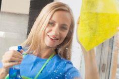Aprenda técnica para limpar vidros usando amido de milho