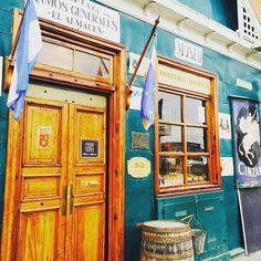 Ramos generales Bar-vinoteca, en Ushaia, prov. de Tierra del Fuego, Argentina