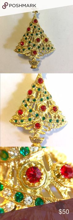 AVANTE Signed Christmas Tree Brooch Rare Vintage Beautiful Brooch Signed Avante on backside as shown in photo. All Rhinestones are intact and have a lot of bling and sparkle! You will be the shining star at Christmas while wearing this Brooch! Avante Jewelry Brooches