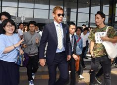 W杯予選に出場するために帰国した本田圭佑=4日、成田空港(撮影・今野顕)