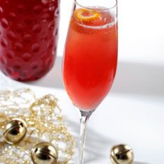 Adding this one to my alcohol recipe book lol Cocktail: Cranberry Bubbles