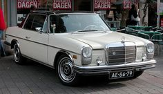 An American 1969 Mercedes-Benz 250 C from the series. The fog lights are not very convincing. Mercedes W114, Mercedes Benz World, Mercedes 280, Classic Mercedes, Classic European Cars, Classic Cars, Mercedes E Class Coupe, Daimler Benz, Cool Cars