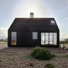 Architecture: Shingle House in Dungeness, Kent - little houses - Architecture Design, Residential Architecture, Installation Architecture, Minimal Architecture, Building Architecture, Earthship, Little Houses, Black House, Exterior Design