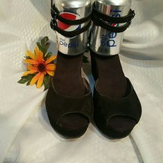 "GAP BLACK SUEDE PLATFORM SANDALS SIZE 8 Beautiful pair of Gap sandals. NEW. NO TAGS. HEEL 3 1/4"".  LEATHER UPPER GAP Shoes Platforms"