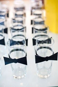 Bow tie party decorations bow tie drink tags james bond theme, james bond p Soirée James Bond, James Bond Party, James Bond Theme, Casino Theme Parties, Casino Party, Birthday Parties, Casino Night, Deco Theme Cinema, Masculine Wedding