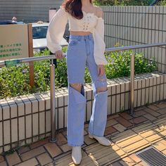 "민예진🇰🇷 บน Instagram: ""흰티에 청바지는 청순이지만 이건 절대 청순🙅‍♀️💙"" Cute Korean Fashion, Korean Fashion Trends, Japanese Fashion, Asian Fashion, Seoul Fashion, Korea Fashion, Aesthetic Fashion, Aesthetic Clothes, Teen Fashion Outfits"