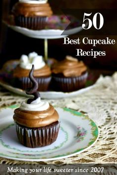 A close up of Mexican hot chocolate cupcakes on antique china with more cupcakes in the background. Gourmet Cupcakes, Cupcakes Au Cholocat, Cupcakes Cool, Hot Chocolate Cupcakes, Cupcake Flavors, Chocolate Desserts, Filled Cupcakes, Wedding Cupcakes, Mexican Cupcakes