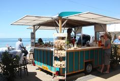 Food Rings Ideas & Inspirations 2017 - DISCOVER De koffiebar--- have multiple serving windows! PopUp Republic Discovred by : Florganik Catering Trailer, Food Trailer, Trailer Build, Coffee Carts, Coffee Truck, Coffee Van, Coffee Mugs, Coffee Trailer, Mobile Cafe