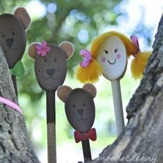 Wonder if my dollar store would have wooden spoons.what an easy, fantastic way to make puppets! Goldilocks and the three bears puppets made from wooden spoons. Kids Crafts, Arts And Crafts, Preschool Activities, Activities For Kids, Wooden Spoon Crafts, Wooden Spoons, Traditional Tales, Goldilocks And The Three Bears, Bear Theme