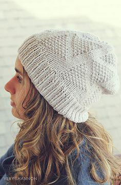 Dreiecke Hat Knit Pattern // Ravelry
