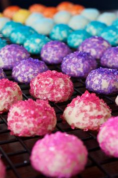 Glitter Ball Cookies! This would be cute for a Girl's birthday party!