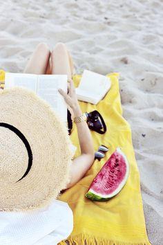 What's in my beach bag | Make Life Easier