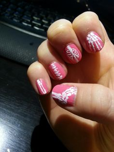 Skeleton / anatomy / bones nail art. Oh my gosh, someone do this on my nails please!! https://www.facebook.com/shorthaircutstyles/posts/1760988304191609