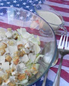 Ensalada César (Cesar Salad), con pollo, parmesano y croutons   CocotteMinute