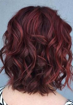 Sensational ideas of wavy bob hairstyles with awesome burgundy hair colors and highlights to make you look gorgeous than ever. We have compiled here some of the best styles and combinations of hair colors and hairstyles for long and medium haircuts in year 2018. Just visit here to see all these ideas of hair colors.