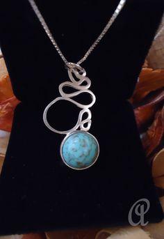 Corrente em prata 925, pingente em prata 950, pedra sintética azul turquesa