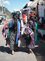 Käsitöitä Guatemalassa, alkuperäisinkkarinaisten kanssa | Parhaita palapelinpaloja jaettavaksi | Bloglovin'