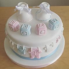 Baby Shower Cupcake Cake, Baby Shower Cake Designs, Gateau Baby Shower, Baby Shower Cakes Neutral, Baby Shower Cakes For Boys, Baby Boy Cakes, Baby Shower Fun, Pretty Cakes, Beautiful Cakes