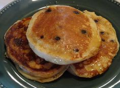 Fluffy Lemon-Blueberry Pancakes  2 c bisquick heart smart biscuit mix  1 c fat-free milk  1 c low-fat vanilla yogurt  2 eggs   1 tsp lemon zest  1 c fresh blueberries, or frozen.   real maple syrup for drizzling.