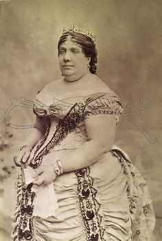 Reina Isabel II Queen Isabella, Victorian Photography, Madrid, Royals, Spanish Royalty, Fat Fashion, Spanish Royal Family, Royal Queen, Isabel Ii