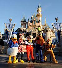 Disneyland, One of my favorite places! Disney Parks, Walt Disney World, Disney Pixar, Disney Characters, Disney Theme, Disney Bound, Disneyland Orlando, Disneyland California, Orlando Florida
