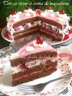 Cum am gasit la un supermarket visine… Romanian Desserts, Romanian Food, Poke Cakes, Lava Cakes, Custard Cake, Gingerbread Cake, Different Cakes, Dessert Bread, Healthy Desserts