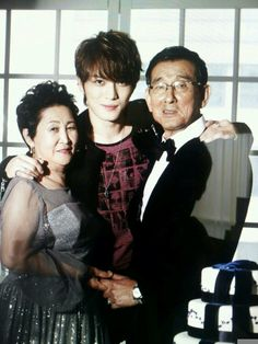 Kim Suk Jin shares pictures of Jaejoong with his parents 140523