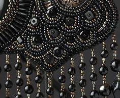 Aprenda a bordar para criar suas novas peças de bijus bordadas em tecido.   Como Criar Bijuterias – Montagem de Bijuterias: Como Fazer e Vender, Passo-a-Passo, Idéias e Muito mais.