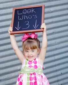Toddlers - cute idea for b-day photos for end of year book