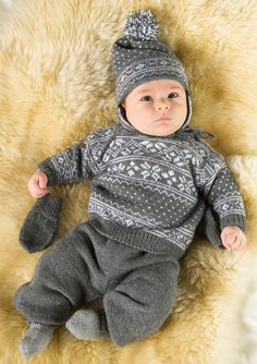 Baby Boy Knitting, Knitting For Kids, Baby Barn, Knitted Baby Clothes, Sweater Knitting Patterns, Baby Sweaters, Baby Kids, Knit Jacket, Neck Warmer