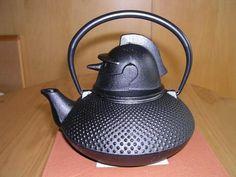 robot teapot