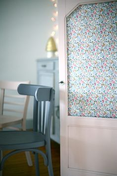 Loving the floral panel in the door and chair colour