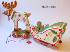 Cookie 3D royal icing, wet on wet, Galletas navideñas, reno con trineo, maribelrios.com