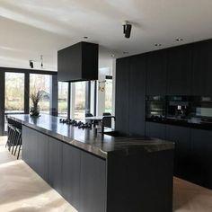 Kitchen Room Design, Modern Kitchen Design, Home Decor Kitchen, Kitchen Layout, Interior Design Kitchen, Kitchen Designs, Diy Kitchen, Interior Ideas, Kitchen Ideas