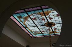 #vitraux  #vidrio   #glass-art  #vetrata-decorata  #grisallas Vitraux pintado con flores y accesorios ornamentales clásicos - diseñado y realizado en 2011- Buenos Aires.
