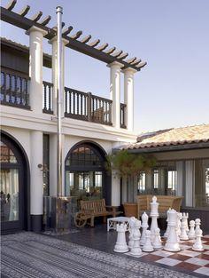 La Co(o)rniche - grande maison néo-basque classique, caractéristique du style régional