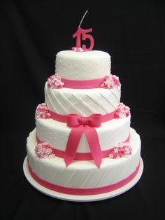 Resultado de imagem para bolo de isopor para festa de 15 anos