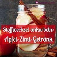 Mit diesem einfachen und leckeren Hausmittel können Sie schnell abnehmen ohne Sport: Apfel-Zimt-Getränk.