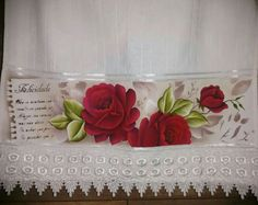 Toalha com rosas vermelhas, pronta entrega!! Está está disponível!
