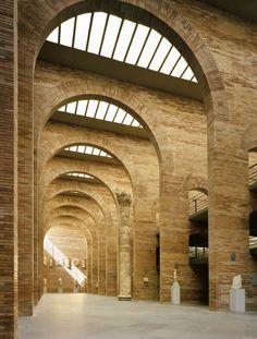 Résultats de recherche d'images pour «rafael moneo centro de arte romano»