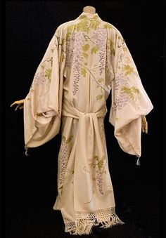 Kimono style peignoir, c.1900, from the Vintage Textile archives.