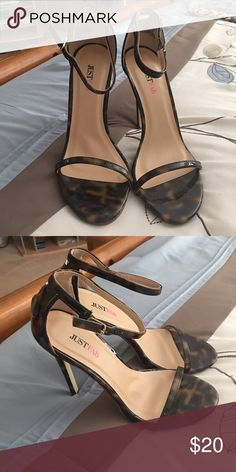 Leopard print strappy heels. Comfortable and cute Leopard print strappy heels. Comfortable and cute   Size 8 JustFab Shoes Heels