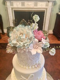 Beautiful peonies, sweetpeas, roses and leaves. Create A Cake, Party Cakes, Peonies, Wedding Cakes, Roses, Bride, How To Make, Leaves, Beautiful