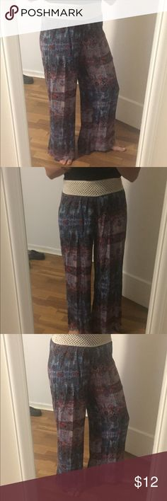 Earth tone palazzo pants Adorable pants!! Super comfy n cute Pants Wide Leg