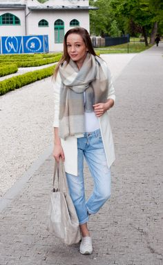 Baby blue with shades of grey and beige, perfect color combination for your spring outfit Grey And Beige, Shades Of Grey, Pastel Colors, Baby Blue, Color Combinations, Diamonds, Normcore, Spring, Inspiration