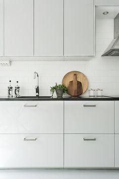 This weeks finest interior design photographs… Modern Interior Design, Interior Design Kitchen, Interior Decorating, New Kitchen, Kitchen Decor, Kitchen Outlets, Kitchen Black, Kitchen Dining, Tadelakt