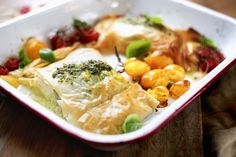 Torsk med pesto i filodeig Pesto, Chicken, Dinner, Food, Dining, Food Dinners, Essen, Meals, Yemek